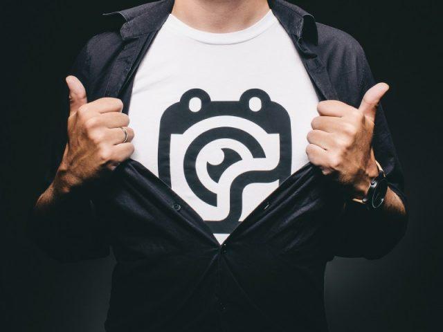 Få nemt trykt dit budskab på din t-shirt